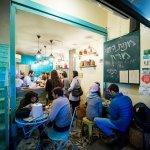 open-restaurants-jerusalem-devini-pita-bar-tomer-foltyn-003